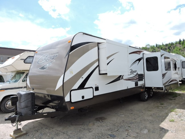 2015 COUGAR 32 RESWE Polar Package Plus