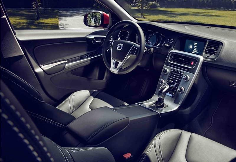 Beautiful 2018 Volvo S60 Interior Highlights