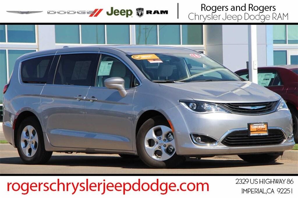 2018 Chrysler Pacifica Hybrid Touring Plus Minivan/Van