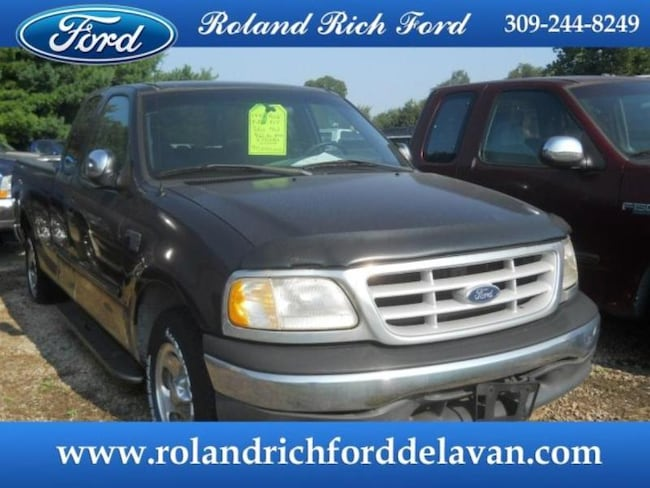 1999 Ford F-150 XLT Extended Cab Truck