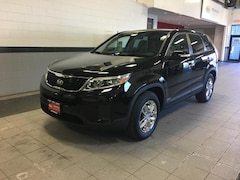 Used 2015 Kia Sorento LX AWD SUV near Fitchburg, MA