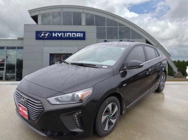 new 2019 Hyundai Ioniq Hybrid SEL Hatchback