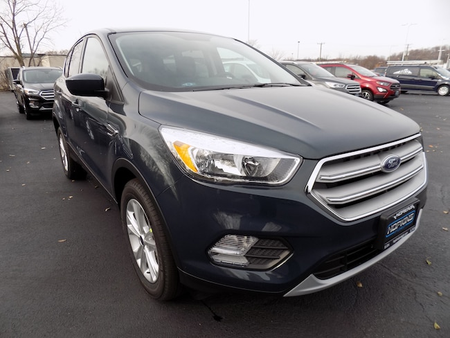 DYNAMIC_PREF_LABEL_AUTO_NEW_DETAILS_INVENTORY_DETAIL1_ALTATTRIBUTEBEFORE 2019 Ford Escape SE SUV DYNAMIC_PREF_LABEL_AUTO_NEW_DETAILS_INVENTORY_DETAIL1_ALTATTRIBUTEAFTER