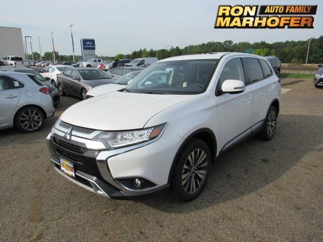 Featured new Mitsubishi vehicles 2019 Mitsubishi Outlander SE CUV for sale near you in Cuyahoga Falls, OH