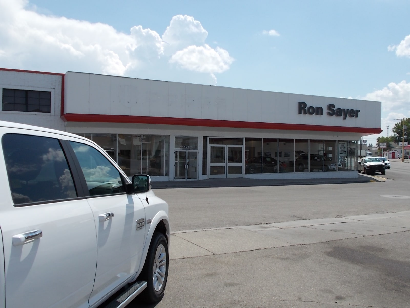 Ron Sayer's Chrysler Jeep Dodge Store