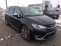 2018 Chrysler Pacifica Hybrid Hybrid Limited Van