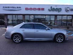 Used 2018 Chrysler 300 for sale in Southaven, MS