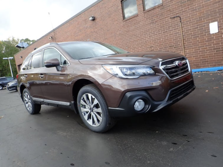 New 2019 Subaru Outback 3.6R Touring SUV Arlington HeIghts