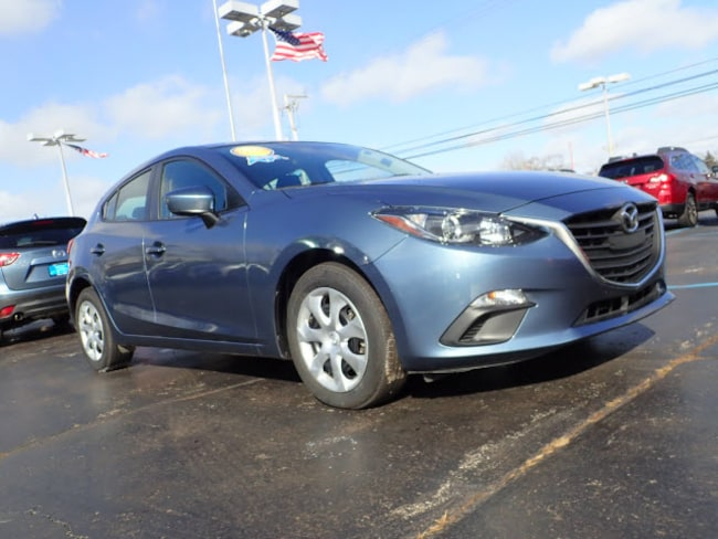 Used vehicles 2016 Mazda Mazda3 i Sport i Sport  Hatchback 6A for sale near you in Arlington Heights, IL