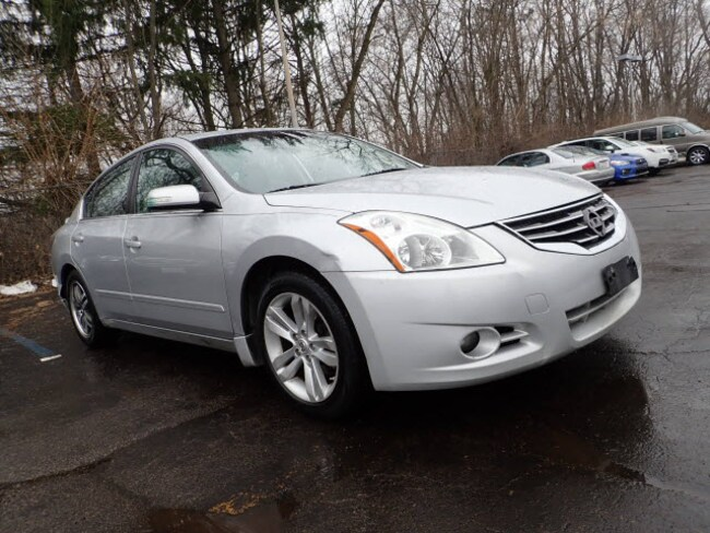 Used vehicles 2012 Nissan Altima 3.5 SR 3.5 SR  Sedan for sale near you in Arlington Heights, IL