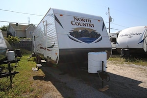 2013 NORTH COUNTRY LAKESIDE BY HEARTLAND RV 29 RLSS