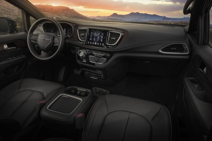 2019 Chrysler Pacifica 35th Anniversary Edition Interior