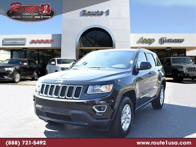2016 Jeep Grand Cherokee Laredo 4WD  Laredo [TY8, F7X9, 23E, WFF, ERC, DFL, PXR] Brilliant Black Crystal Pearlcoat