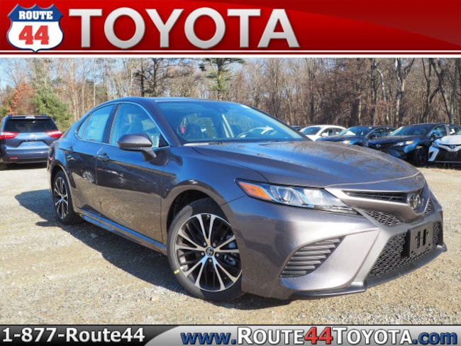 New 2019 Toyota Camry SE Sedan near Attleboro