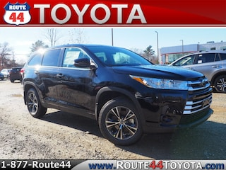 New 2019 Toyota Highlander LE V6 SUV in Raynham, MA