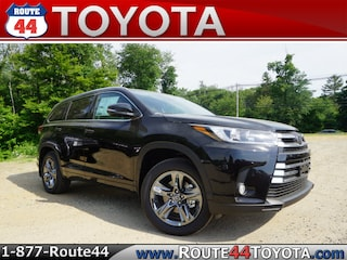 New 2018 Toyota Highlander Limited Platinum V6 SUV in Raynham, MA