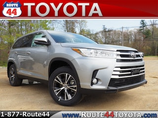 New 2019 Toyota Highlander LE Plus V6 SUV in Raynham, MA