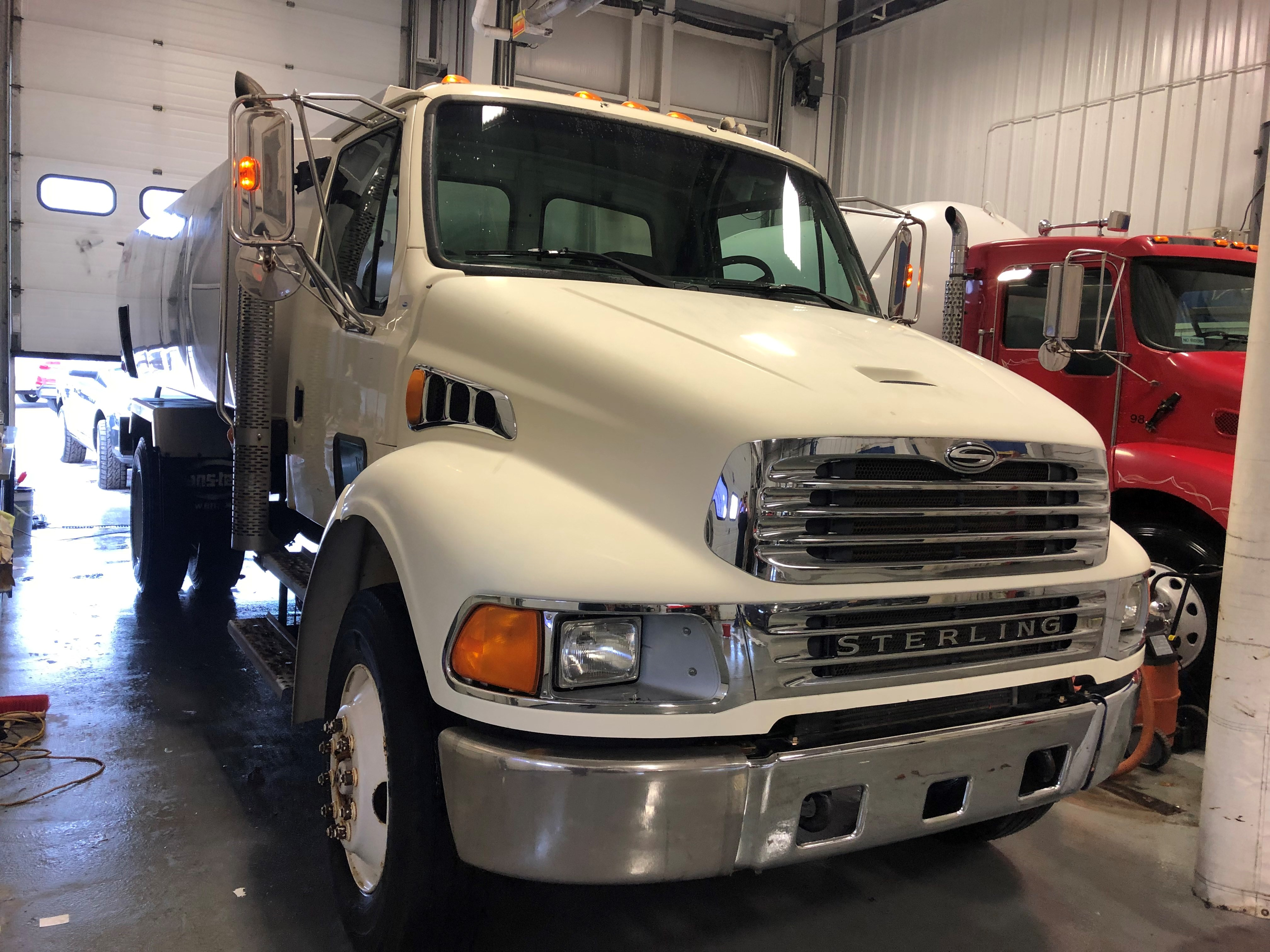 2001 Sterling M7500 OIL Truck Commercial-truck