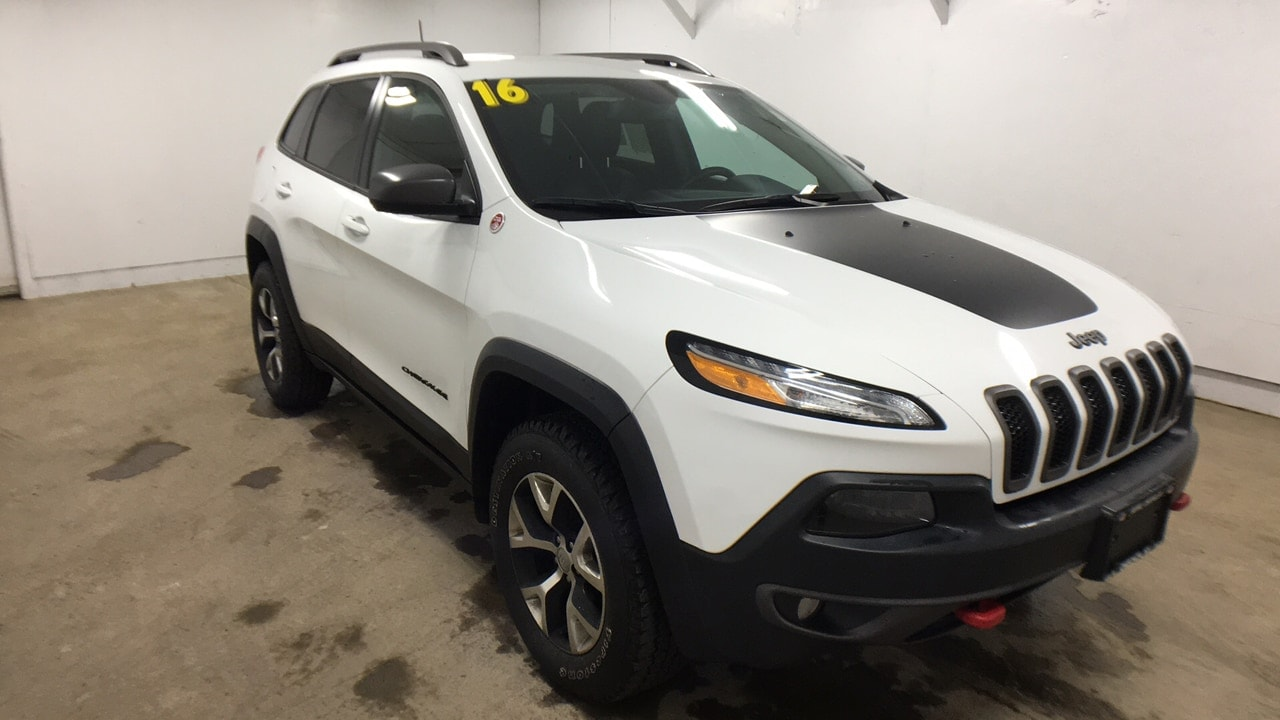 Featured Pre-Owned 2016 Jeep Cherokee Trailhawk 4x4 SUV for sale in Oneonta NY