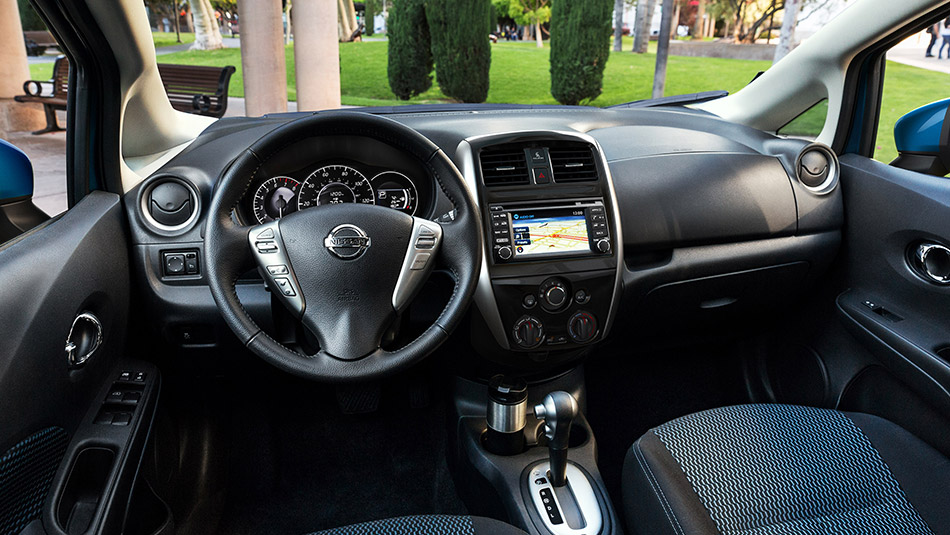 2015 nissan versa note for sale at royal oak nissan in calgary ab. Black Bedroom Furniture Sets. Home Design Ideas