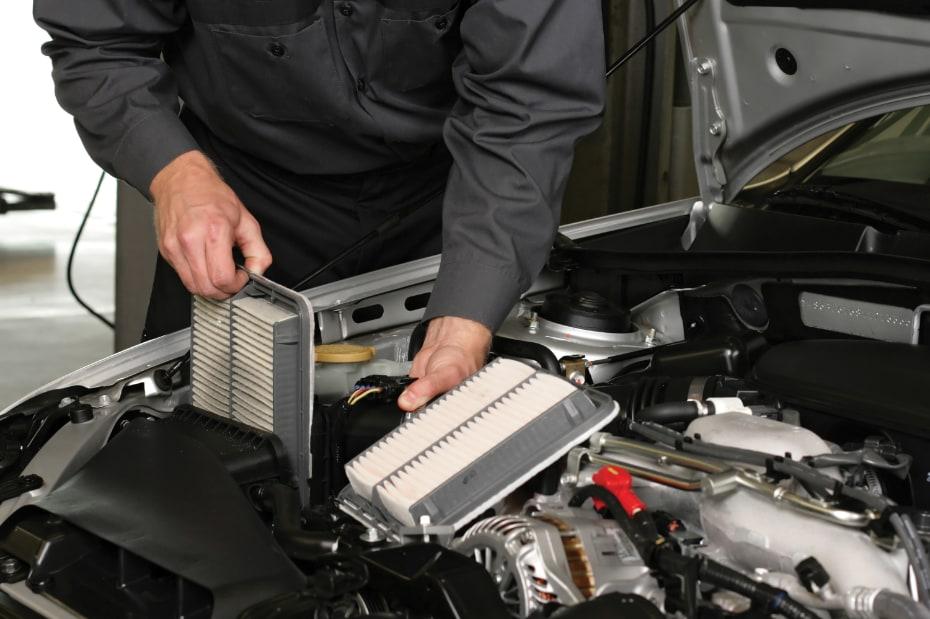Subaru Tech Installing a New Air Filter