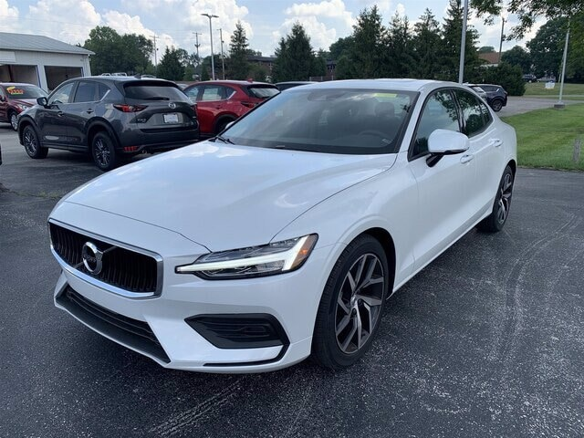 Featured new 2020 Volvo S60 T6 Momentum Sedan for sale in Bloomington, IN