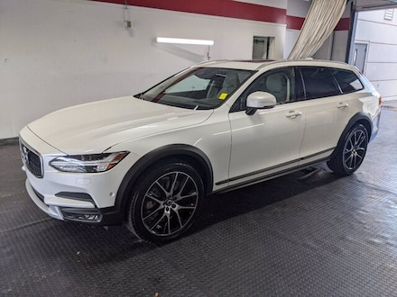 Featured Certified Pre-Owned 2018 Volvo V90 Cross Country T6 AWD Wagon for Sale in Vestavia Hills, AL