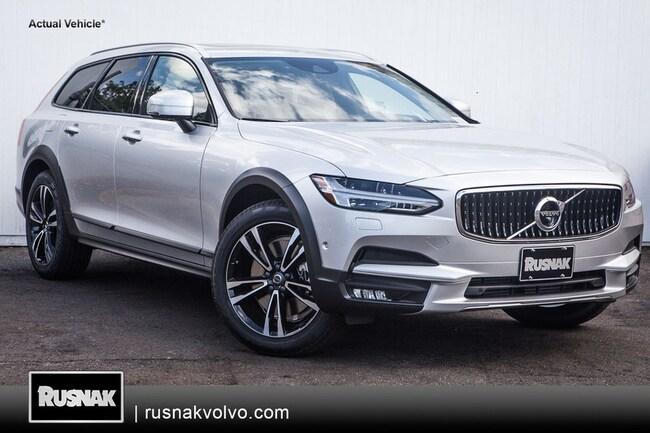 New 2018 Volvo V90 Cross Country T5 AWD Wagon Los Angeles