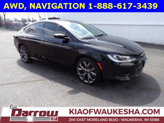 Used 2015 Chrysler 200 S Sedan For Sale in Milwaukee, WI
