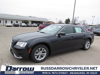 2019 Chrysler 300 TOURING Sedan For Sale in Milwaukee, WI