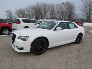 2019 Chrysler 300 S Sedan For Sale in Milwaukee, WI