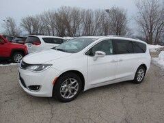 2019 Chrysler Pacifica LIMITED Passenger Van For Sale in West Bend, WI