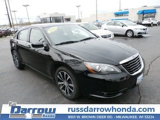 Used 2013 Chrysler 200 Touring Sedan For Sale in Milwaukee, WI