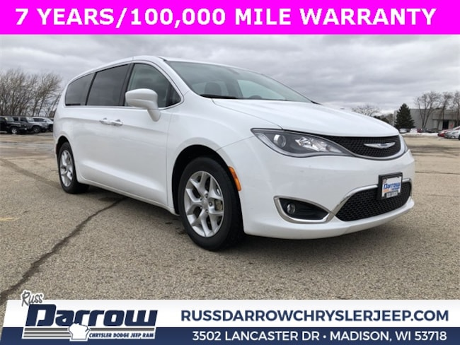 Used 2018 Chrysler Pacifica Touring Plus Van For Sale in Milwaukee, WI