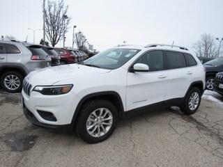 2019 Jeep Cherokee LATITUDE 4X4 Sport Utility For Sale in Milwaukee, WI