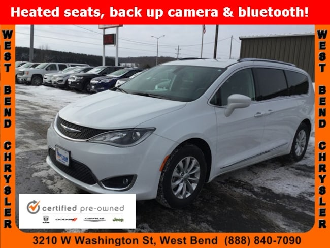 Used 2018 Chrysler Pacifica Touring L Van For Sale in Milwaukee, WI