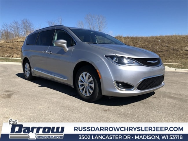 2018 Chrysler Pacifica Touring L Van For Sale in Madison, WI