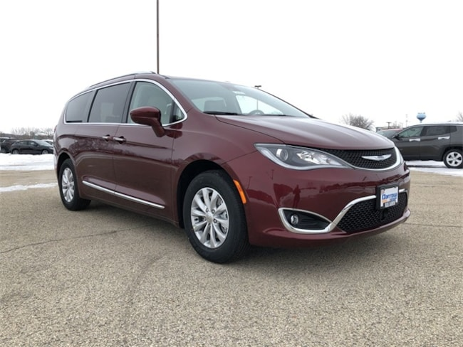 2019 Chrysler Pacifica TOURING L Passenger Van For Sale in Madison, WI