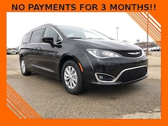 2019 Chrysler Pacifica TOURING PLUS Passenger Van For Sale in Madison, WI