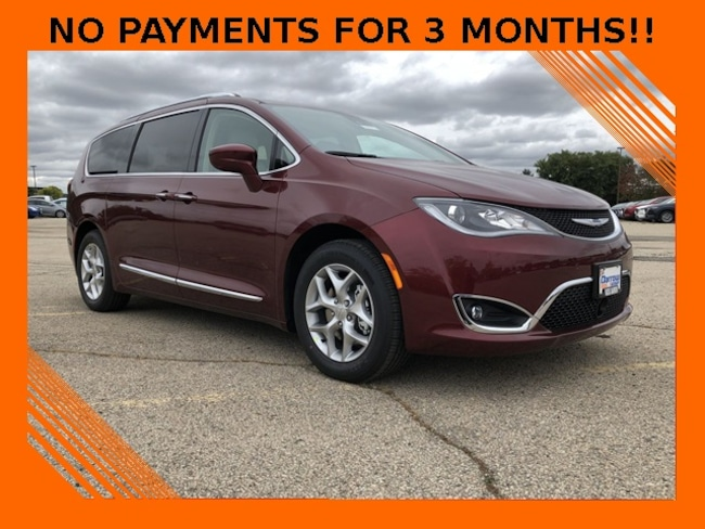 2019 Chrysler Pacifica TOURING L PLUS Passenger Van For Sale in Madison, WI