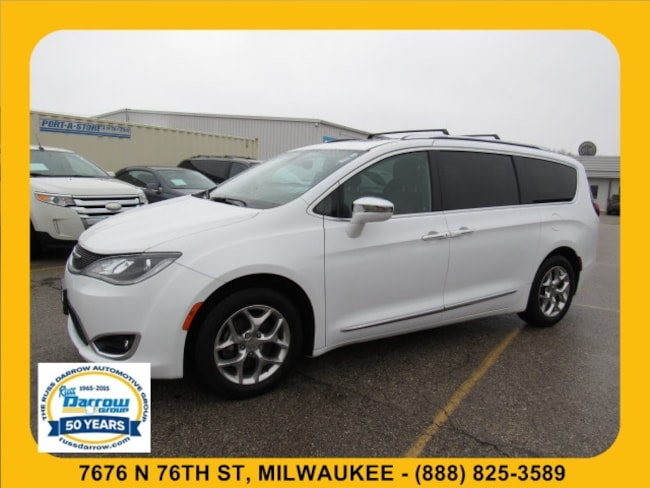 2017 Chrysler Pacifica Limited Van For Sale in Madison, WI