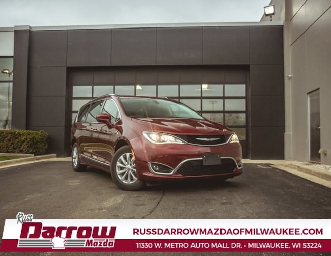 2018 Chrysler Pacifica Touring L Van For Sale in West Bend, WI
