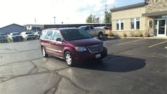 2009 Chrysler Town & Country Touring Van For Sale in Milwaukee, WI