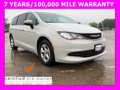 2017 Chrysler Pacifica LX Van For Sale in Milwaukee, WI