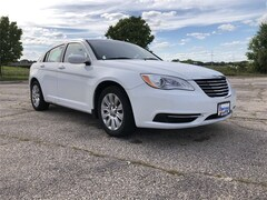 2013 Chrysler 200 LX Sedan For Sale in Milwaukee, WI