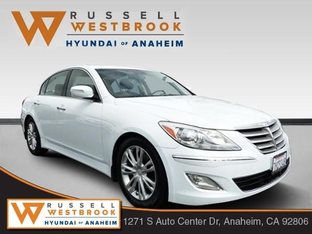 Captivating 2014 Hyundai Genesis 3.8 Sedan