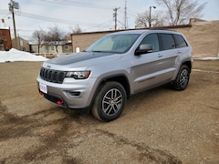 Used 2018 Jeep Grand Cherokee For Sale in Hettinger