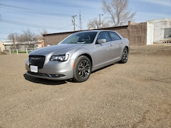 Used 2018 Chrysler 300 For Sale in Hettinger