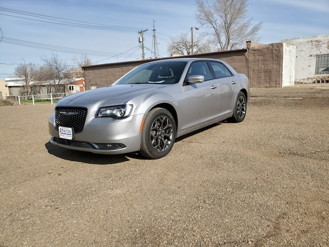 Used  2018 Chrysler 300 S Sedan in Hettinger, ND