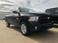 New 2019 Ram 1500 Classic in Hettinger, ND
